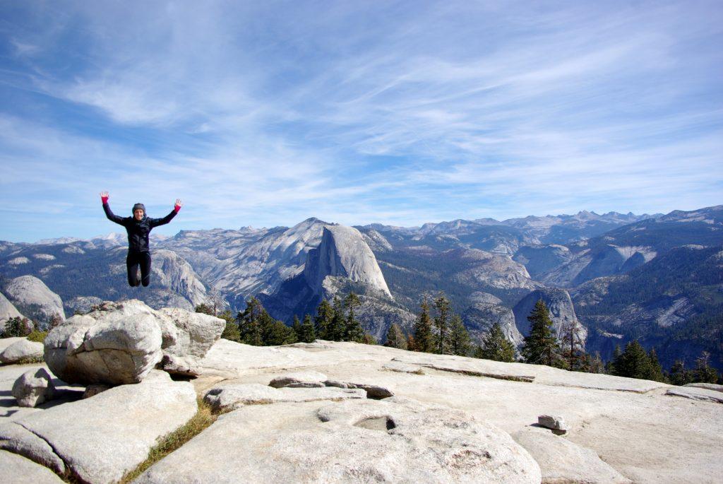 Yosemite, saut à Sentinel Dome avec vue sur Half Dome, leplusbeauvoyage.com