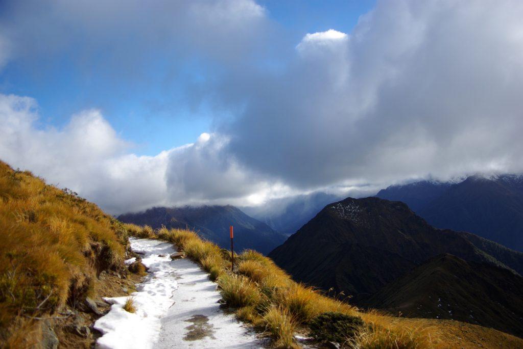 Kepler Track, neige sur le sentier, Nouvelle Zélande, leplusbeauvoyage.com