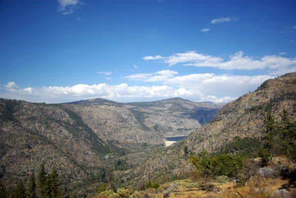 Arrivée à Hetch Hetchy, Yosemite, Californie leplusbeauvoyage.com