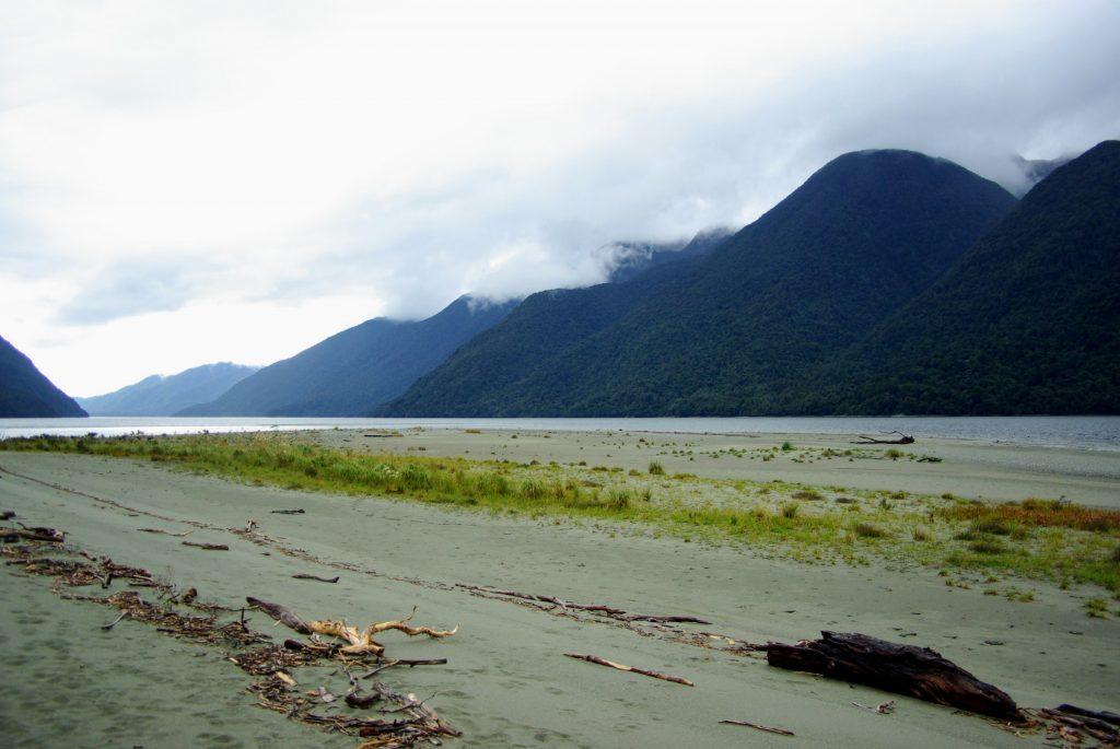 Hollyford Track, Fiordland, NZ, leplusbeauvoyage.com