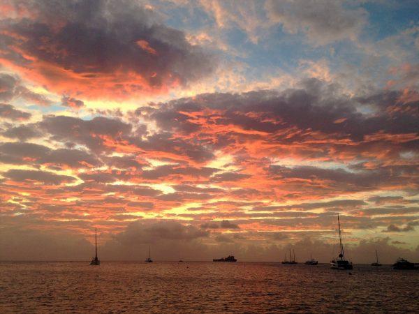 Coucher de soleil à l'arrivée à La Barbade. leplusbeauvoyage.com